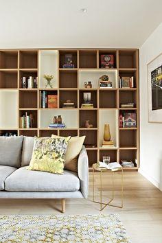 Großes Regal Hinter Sofa Farben Design