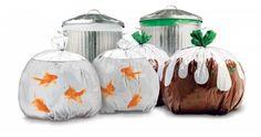 Em tempos de  sustentabilidade , a arte caminha junto com a criatividade em busca de um mundo melhor. É o que vemos nestes  sacos de lixo  divertidos...