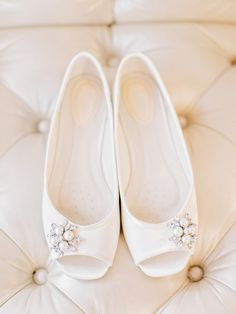 Pearl heels | Read More: http://www.stylemepretty.com/2014/09/05/peach-navy-flat-creek-country-club-wedding/ | Photography: Amy Arrington Photography - amyarrington.com