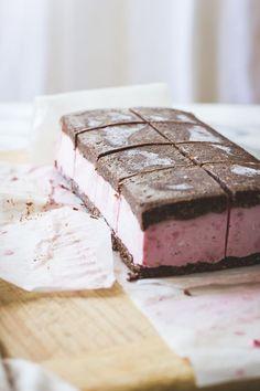 raspberry brownie ice cream sandwiches (vegan gluten-free):