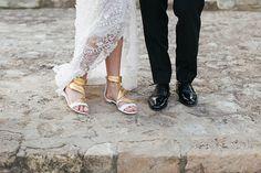 Bequeme #Brautschuhe in gold & weiß