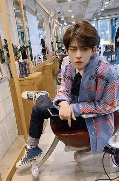 Victon Kpop, Kpop Guys, Boys Who, My Boys, Cute Korean Boys, 12 November, Play, Purple Hair, Boy Groups