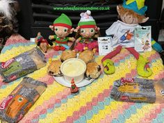 Our elves often create antics to remind us of things we have done suring the year, this antic was a reminder of our hoiday to Cornwall. Cornish Cream Tea, Cornwall, Elf On The Shelf, Elves, Create, Christmas, Xmas, Weihnachten, Yule