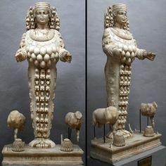 De Mooie Artemis in het Archeologish Museum van Selçuk.