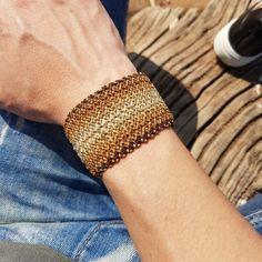 Brown ang gold macrame cuff Jewelry Knots, Macrame Jewelry, Macrame Bracelets, Boho Jewelry, Beaded Jewelry Designs, Micro Macrame, Bracelet Patterns, Friendship Bracelets, Hand Weaving