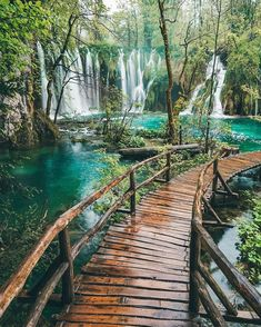 Plitvice Lakes has too many waterfalls to count! What a magical place Plitvice Lakes National Park Croatia. Vacation Places, Dream Vacations, Vacation Spots, Honeymoon Destinations, Beautiful Places To Travel, Wonderful Places, Beautiful Live, Plitvice Lakes National Park, Croatia National Park