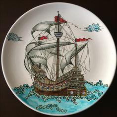 Pottery Sculpture, Sculpture Clay, Ceramic Plates, Ceramic Pottery, Turkish Art, Baby Wall Art, Porcelain Clay, Plate Design, Tile Art