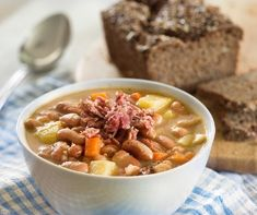 Recipe of the week: Jókai bean soup Tasty, Yummy Food, Delicious Meals, Hungarian Recipes, Goulash, Fusilli, Bean Soup, Pot Roast, Cheeseburger Chowder