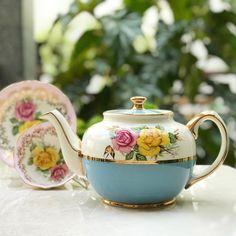 "206 mentions J'aime, 3 commentaires - Harmony Piring16 (@harmony_piring16) sur Instagram: ""Beautiful & Vintage Teapot by Sadler England  Vintage Teapot by Sadler England ""Bermuda Island ""…"""