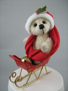 Jingle the Bears by Tracey preview bear for Christmas Treasures online show.  www.bearsbytracey.com  www.facebook.com/bearsbytracey