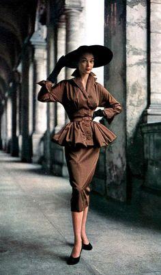 """Voi cosa ne pensate? Alcune proposte #Vintage #Fashion da """"Moda & Bellezza Magazine"""" - una realizzazione Dielle Web e Grafica - Credits e Copyright riservati ai legittimi proprietari."""