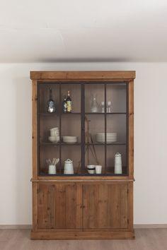 Landelijke keuken Arjen vitrinekast - Meer modellen in onze showroom in Ninove http://www.zelfbouwmarkt.be/assortiment/keuken/keukenkasten/7001