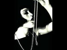 Louise Brooks & Rina Ketty - J'attendrai (1938)