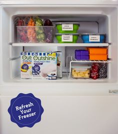 A little organization goes a long way – put in some elbow grease and  make your freezer a spring cleaning priority! Toss out expired food  and wipe shelves clean. Once everything is spic and span, add in  your favorite Outshine Bars and frozen fruit and vegetables.