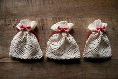 tiny crochet lace bags