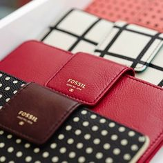 BEST WALLETS BRANDS FOR WOMEN | Shopping Adviser Views & Reviews  ‪#‎Women‬ ‪#‎Fashion‬ ‪#‎Wallets‬ ‪#‎BestWalletBrands‬