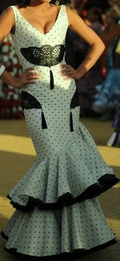 Córdoba༺♥༻ Short Long Dresses, Spanish Fashion, Ankara Styles, Dance Costumes, Dance Wear, Classy, Gowns, Pretty, Casual