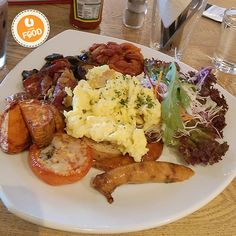 Enjoy a delicious Big Breakfast in AMPM café at USJ 21/5, Subang Jaya. It's a big serving of toast, sausages, portobello mushrooms, hashbrowns and fluffy scrambled eggs for a satisfying morning!  #UFood #UFoodSelangor #UFoodWestern #AMPMCafe