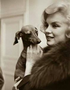 Marilyn & doxie