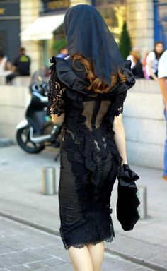 Ulyana Sergeenko. Whoever this is, their goth style is amazing. AH-MAY-ZING.