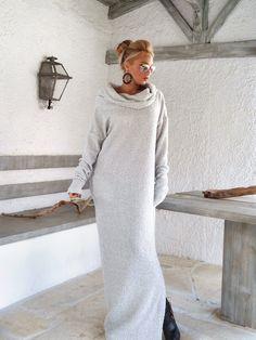 Aus weißer Winter Wolle Boucle Rollkragenpullover Maxi-Kleid Kaftan mit Taschen / Winter warme lange Kleid / asymmetrische Plus Size Kleid / Oversize lose Kleid / #35148  Sehr warm und gemütlich...!  -Handgefertigte Artikel  -Material: Warme gestrickte, Black & White Wolle Stretch-Stoff  -Das Modell trägt: Größe - klein, Farbe: Off White  -Fit: Lose Passung  -Länge: 150 cm/59 Zoll ** Wenn Sie unterschiedlichen Länge wünschen, bitte schreiben Sie es in den Notizenb...