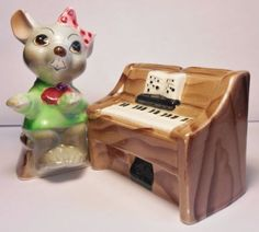 Japan-Mouse-Playing-Piano-Salt-and-Pepper-Set-Anthropomorphic-MINT