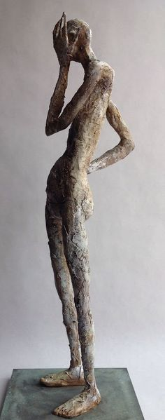 This uses proportion because it still looks human, but the limbs are longer and thinner than they should be Modern Art Sculpture, Human Sculpture, Sculpture Clay, Abstract Sculpture, Ceramic Figures, Ceramic Art, Art And Illustration, Photo Repair, 3d Figures