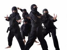 Junte um grupo de amigos e fantasiem-se de ninjas ;) #fantasias #carnaval