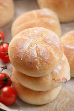 Zwykłe pszenne bułeczki - kajzerki Bread Recipes, Cake Recipes, Snack Recipes, Cooking Recipes, Polish Recipes, Polish Food, Sweet Desserts, Bread Baking, Food Cakes