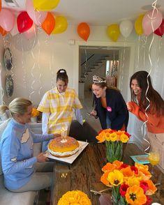 Bday Girl, Sister Birthday, Happy Birthday Me, Birthday Wishes, Birthday Greetings, Birthday Humorous, Birthday Sayings, Its My Bday, Applis Photo