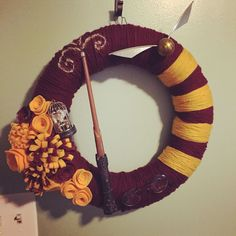 super cool harry potter gryffindor wreath