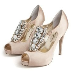 Lauren Jones bridal shoes #wedding #weddingshoes