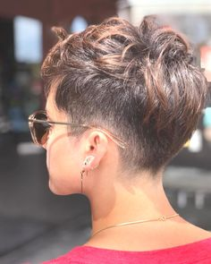 Today we have the most stylish 86 Cute Short Pixie Haircuts. We claim that you have never seen such elegant and eye-catching short hairstyles before. Pixie haircut, of course, offers a lot of options for the hair of the ladies'… Continue Reading → Short Pixie Haircuts, Short Hairstyles For Women, Undercut Pixie Haircut, Haircut Short, Casual Hairstyles, Undercut Hairstyles, Pixie Haircut For Thick Hair Wavy, Brown Pixie Hair, Brunette Pixie Cut