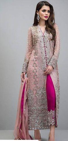 Zainab Chottani New Formal Dresses rose gold jacket Pakistani Dress Design, Pakistani Designers, Pakistani Bridal, Pakistani Outfits, Indian Outfits, Pakistani Dresses Party, Pakistani Fashion Party Wear, Bridal Lehenga, Rose Gold Jacket