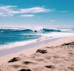The beach is calling my name! Take me somewhere close to the ocean. The Beach, Ocean Beach, Beach Day, Hawaii Beach, Beach Waves, No Wave, Beach Aesthetic, Blue Aesthetic, Summer Aesthetic