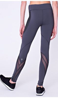 Flow from studio to street in these high–waisted tights designed with Mesh to help keep you cool. | Cool Urbanite Pant