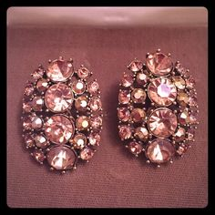Glam Champagne Brown Clip Ons Vintage clip-on earrings, glam shiney champagne / brownish color faux stones. Nice for formal occasion. Unmarked. Very pretty clip earrings  Unknown Jewelry Earrings
