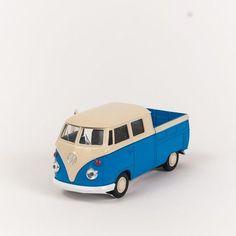 Miniatura Perua Kombi com Caçamba - Saia e Blusa