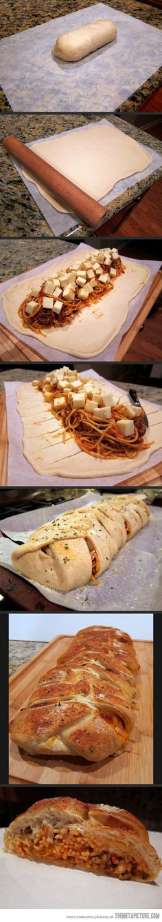 Spaghetti Bread (Spaghetti Baked Inside Garlic Bread) Oh I want to eat this spaghetti bread every day.Oh I want to eat this spaghetti bread every day. Think Food, I Love Food, Food For Thought, Good Food, Yummy Food, Great Recipes, Favorite Recipes, Snacks Für Party, Food To Make
