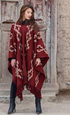 """PONCHOS DE GUARDA ATADA """"FAMILIA AVAR SARACHO"""" Houston, Kimono Top, Outfit Ideas, Unisex, Fashion Outfits, Women, Style, Cold, Templates"""