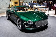 Goodwood - Bentley storms the Geneva show with dramatic new EXP 10 Speed 6 concept Bentley Exp 10, Bentley Speed, Bentley Car, Bentley Motors, Lux Cars, Bentley Continental Gt, Weird Cars, Geneva Motor Show, Concept Cars