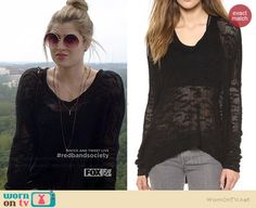 Kara's black textured sweater on Red Band Society.  Outfit Details: http://wornontv.net/38434/ #RedBandSociety