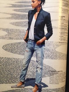 Drestressed boyfriend jeans & blazer look