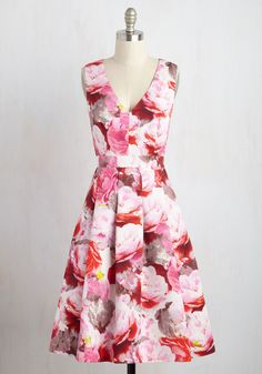 Luxe Good On You Dress - Multi, Pink, Floral, Print, Daytime Party, Wedding Guest, A-line, Sleeveless, Woven, Exceptional, V Neck, Long