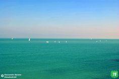 Barche sul mare tranese #Trani #Puglia #Italia #Italy #Viaggiare #Viaggio #Travel #Mare #Sea #Vacanza #Holiday #CittàVecchia #OldCity #ALwaysOnTheRoad #Spiaggia #Beach