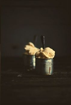 clementin sorbet in recycled tin cans Frozen Desserts, Frozen Treats, Rustic Food Photography, Sorbet Ice Cream, Frozen Yoghurt, Recipe Images, I Love Food, Food Pictures, Food Styling