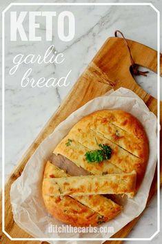The MOST POPULAR recipe for cheesy keto garlic bread - using mozzarella dough. Only net carbs per slice. This is the Holy Grail of keto garlic bread. Keto Foods, Ketogenic Recipes, Keto Snacks, Low Carb Recipes, Cooking Recipes, Healthy Recipes, Wrap Recipes, Salad Recipes, Pan Cetogénico