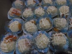 Doce de coco com damasco e chocolate branco.