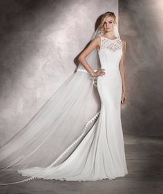 Arlet - Mermaid wedding dress in gauze and tulle with a plunging back