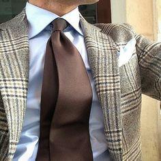 ... Mens Casual Suits, Mens Suits, Gents Fashion, Mens Fashion Suits, 50s Style Men, Suit Shoes, Dapper Men, Suit And Tie, Well Dressed Men